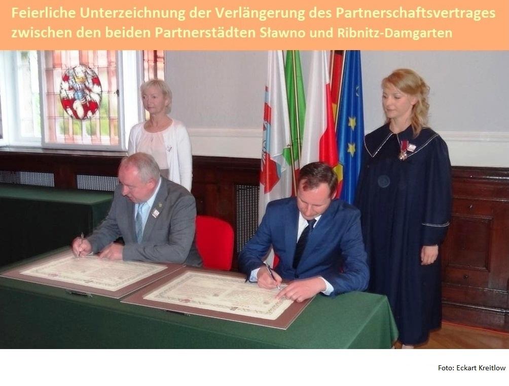 700 Jahre Partnerstadt von Ribnitz-Damgarten Sławno - Feierliche Unterzeichnung der Verlängerung des Partnerschaftsvertrages zwischen den beiden Partnerstädten Sławno und Ribnitz-Damgarten. Foto: Eckart Kreitlow - Ostsee-Rundschau.de