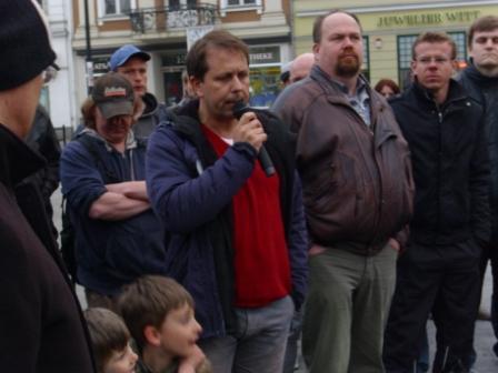 Zu den Rednern der ersten Montagsmahnwache für den Frieden in der Hansestadt Rostock gehörte auch Andreas Kroll.