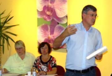 Fotos von der Regionalversammlung in Grimmen, Landkreis Vorpommern-Rügen, mit dem Bundesvorsitzenden der Partei DIE LINKE Bernd Riexinger am 1.August 2012 im Grimmener Kulturhaus Treffpunkt Europa. Foto: Eckart Kreitlow