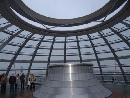 Impressionen von der Berlinfahrt, vom Bundestagsbesuch und der Besichtung des Reichstagsgebäudes, dem heutigen Sitz des deutschen Parlamentes nach dem Umzug aus Bonn, im ehemaligen Westteil der Hauptstadt Berlin. Foto: Eckart Kreitlow