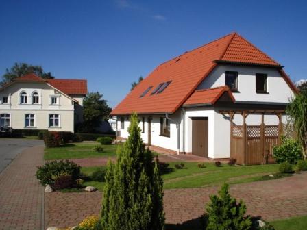 Blick auf die Eigenheimsiedlung Am Mühlenberg in der Bernsteinstadt Ribnitz-Damgarten. Foto: Eckart Kreitlow
