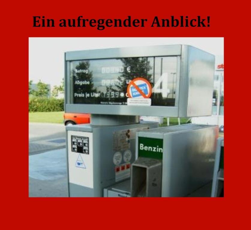 Ein aufregender Anblick - die Preisanzeige an der Zapfsäule! - Abhängig vom Ausgang der Bundestagswahl: Benzinpreis von 2,47 Euro pro Liter möglich - Die CO2-Steuer gibt es bereits seit Anfang des Jahres und eine schrittweise Erhöhung ist besiegelt. Je nach Ausgang der Bundestagswahl wird der Spritpreis aber unterschiedlich steigen. Am stärksten würden sich eine Jamaika- oder eine Ampel-Koalition auf die Kosten der Mobilität auswirken. Ein Liter Benzin könnte dann 2,47 Euro kosten. -  RT DE - 20 Sep. 2021 14:04 Uhr - Link: https://de.rt.com/inland/124364-abhangig-vom-ausgang-bundestagswahl-benzinpreis/