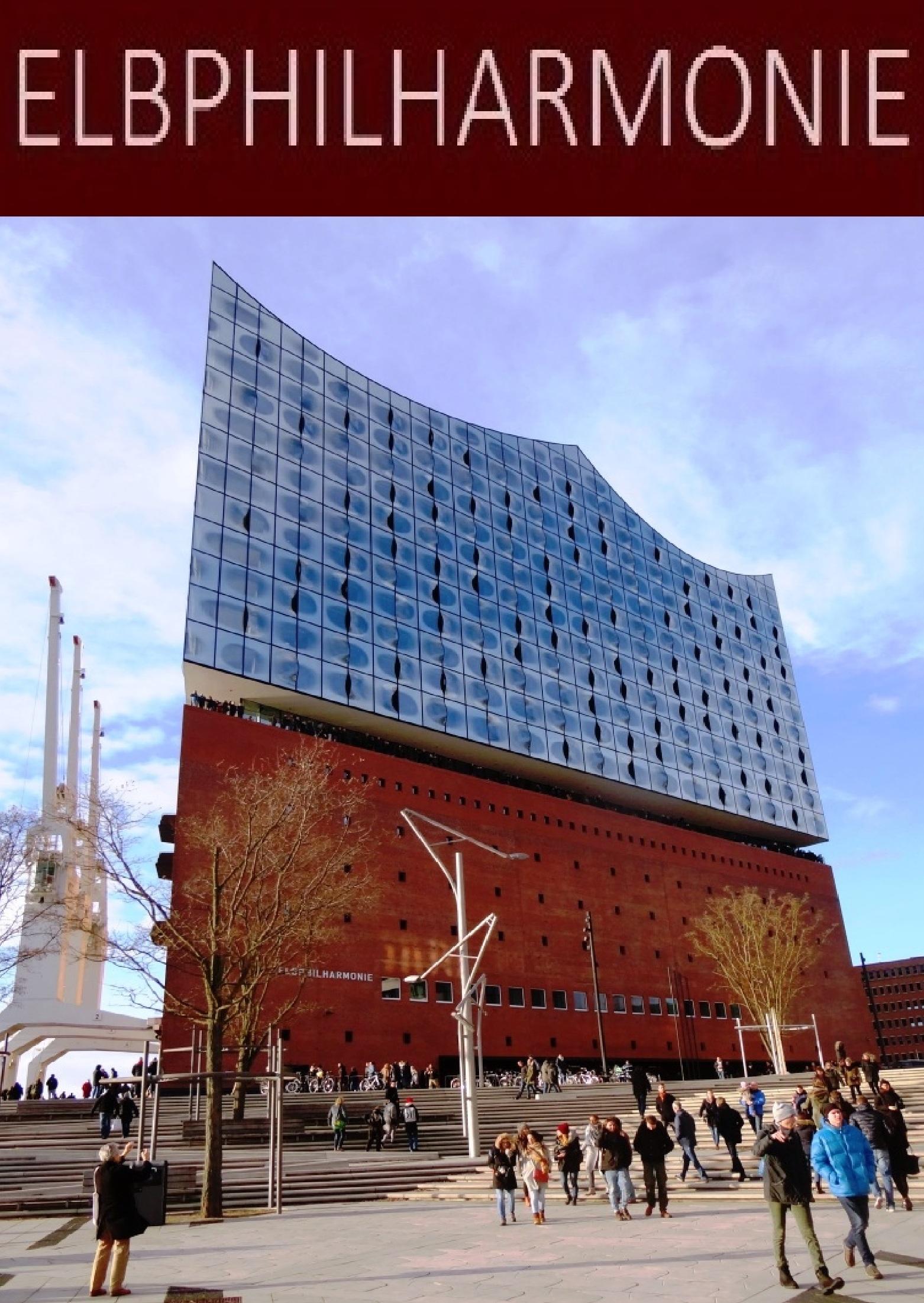 Die etwa einhundertzehn Meter hohe  Elbphilharmonie in der Hafen-City in der Nähe der Landungsbrücken ist ein neues Wahrzeichen in der Hansestadt Hamburg.  Sie wurde am 11. Januar 2017 mit einem Festakt feierlich eröffnet. Foto: Eckart Kreitlow