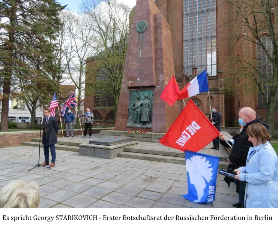 Feierliche Kranzniederlegung am 8. 5. 2021 am Sowjetischen Ehrenmal in Stralsund - Aus dem Posteingang von Siegfried Dienel vom 17.05.2021 - Abschnitt 3