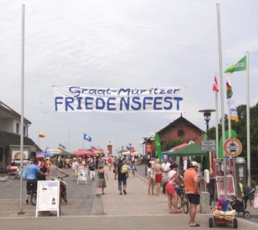 Impressionen vom 10. Internationalen Graal-Müritzer Friedensfest am 3.August 2013. Foto: Eckart Kreitlow
