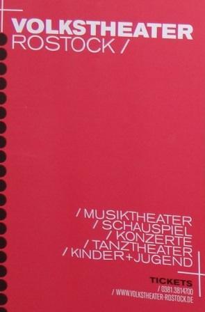 Der Leitgedanke für die Teilnahme des Volkstheaters Rostock mit einem Informationsstand am 10. Internationalen Friedensfest in Graal-Müritz war: Kultur braucht Frieden, um gedeihen zu können. Umgekehrt wird ein Frieden um so brüchiger, je kulturärmer er ist. Foto: Eckart Kreitlow