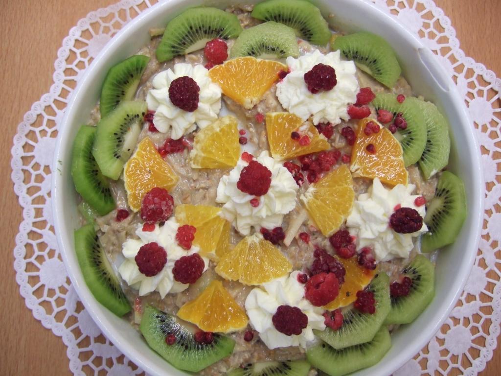 So appetitlich kann vollwertig sein: Motiv Frischkorngericht (Frischkornbrei). Foto: Gudrun Bernhardt, Gesundheitstreff Rostock