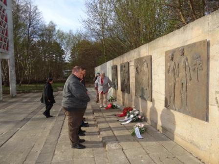 19.Gedenkwanderung am 1.Mai 2013 von Barth nach Ribnitz-Damgarten. Foto: Eckart Kreitlow