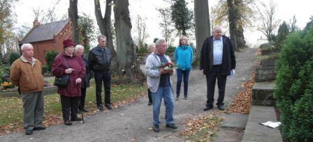 Gedenken an die Ermordung des Grenzsoldaten der DDR Ulrich Steinhauer und aller weiteren ermordeten Grenzsoldaten und Grenzpolizisten der DDR am 4. November 2014. Foto: Ingrid Hoffmann