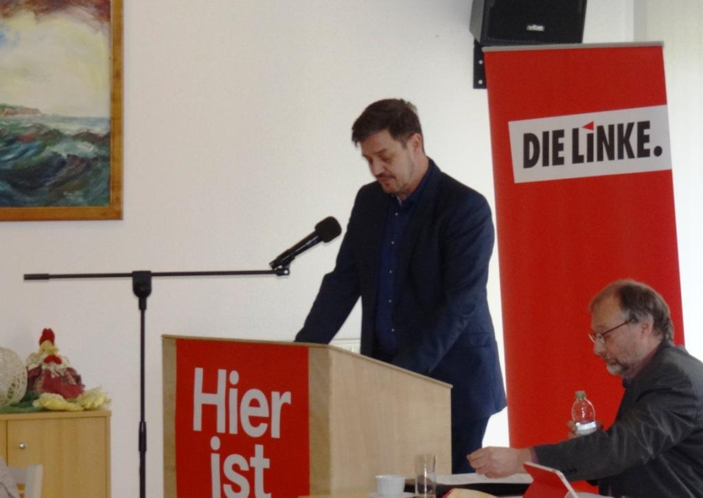 Bilder von der Gesamtmitgliederversammlung des Kreisverbandes DIE LINKE Vorpommern-Rügen zur Wahl des Landratskandidaten für einen Wahlvorschlag der Partei DIE LINKE zu den Landratswahlen in Vorpommern-Rügen am 27.Mai 2018 und dem anschließendem Kreisparteitag am 24. Februar 2018 in dem Begegnungszentrum der Volkssolidarität in Stralsund. Fotos: Eckart Kreitlow