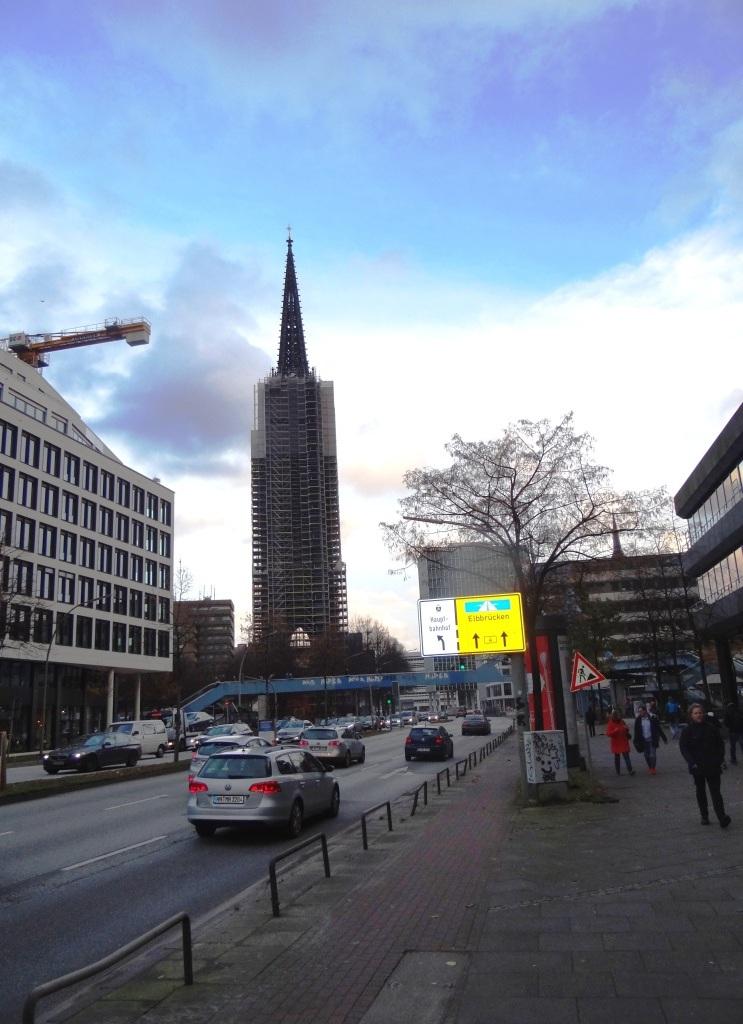 Der Ribnitzer Sportverein 1919 e. V. organisierte an vier Tagen im November 2016 Busfahrten mit dem  Reisebüro Boddensegler nach Hamburg. Foto: Eckart Kreitlow