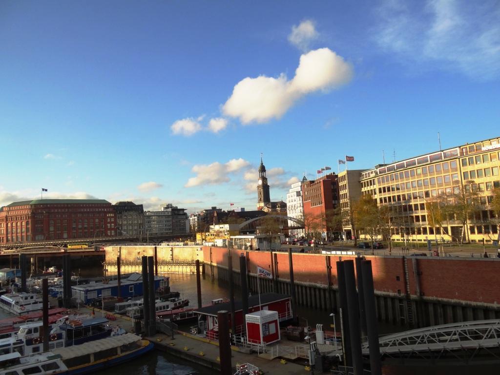 Die Hafen-City in der Hansestadt Hamburg. Foto: Eckart Kreitlow