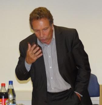 Bundestagsabgeordneter und Spitzenkandidat für die Bundestagswahlen Klaus Ernst, Parteivorsitzender DIE LINKE, weilte am 31.August 2011 zu einer Wahlkampfveranstaltung seiner Partei in Ostseebad Dierhagen. Foto: Eckart Kreitlow