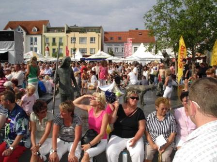Impressionen vom Mecklenburg-Vorpommern-Tag 2008 in der Jubiläumsstadt Ribnitz-Damgarten. Foto: Eckart Kreitlow.