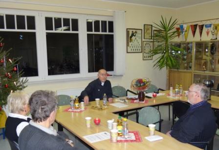 Dr. Hikmat Al-Sabty -  ein sehr unterhaltsamer Abend mit Vortrag zum Thema Meine Reise nach Palästina und einem Kulturprogramm am 8.Dezember 2011 in den Räumlichkeiten am Stadion am Bodden in Ribnitz-Damgarten. Foto: Eckart Kreitlow