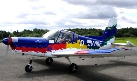 Flugzeug vor dem Start zu einem Rundflug beim 6. Ostblockfahrzeugtreffen in Pütnitz