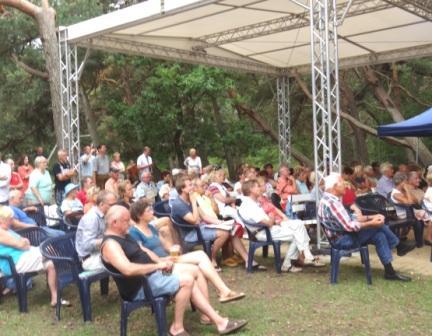 Bilder von der Ostseebädertour der Bundestagsfraktion DIE LINKE in Ostseebad Dierhagen am 7.August 2014. Foto: Eckart Kreitlow