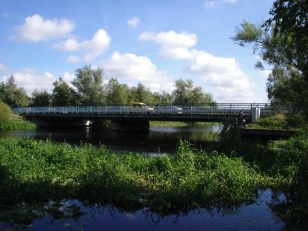 Blick auf die Br�cke �ber die Recknitz von der Flussseite aus, die so genannte Passbr�cke!