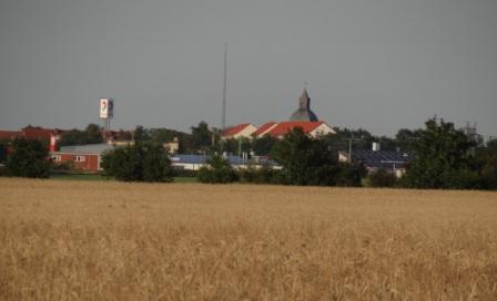 Blick von der Westseite auf die Bernsteinstadt Ribnitz-Damgarten. Foto: Eckart Kreitlow