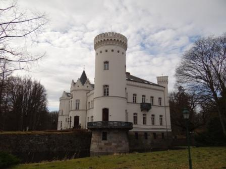 Blick auf das Schlemminer Schloss in Vorpommern-Rügen. Foto: Eckart Kreitlow