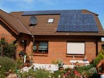 Solaranlage auf einem Einfamilienhaus in Ribnitz-Damgarten. Foto: Eckart Kreitlow